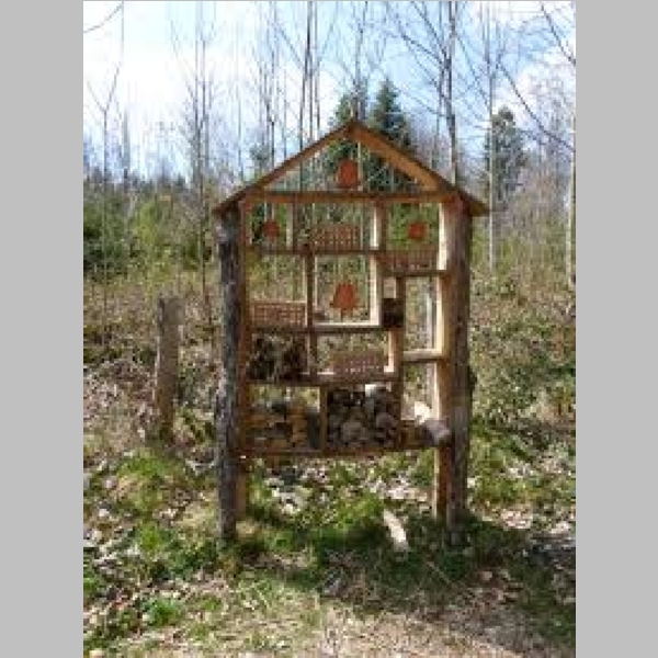 Insect_Hotel_3.jpg
